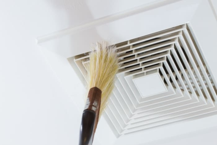 how to clean an air conditioner vent
