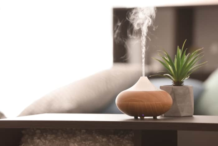 what does a essential oil diffuser do