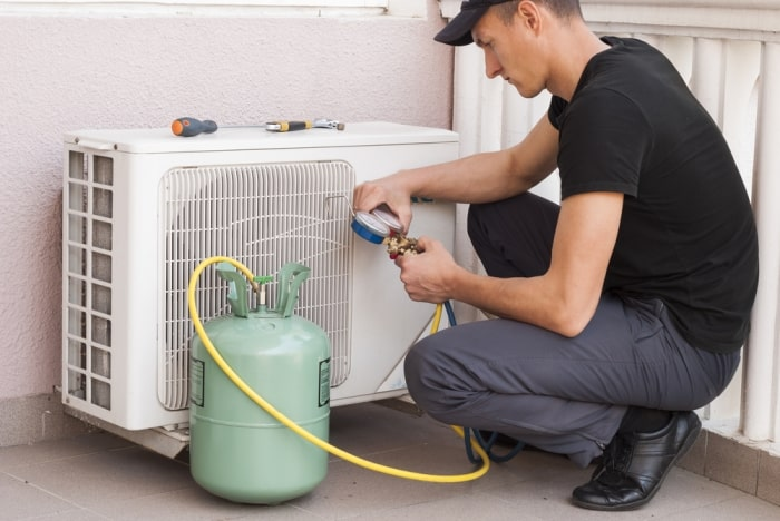 what causes freon leaks in air conditioner