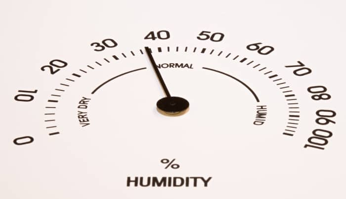 how to measure humidity in house