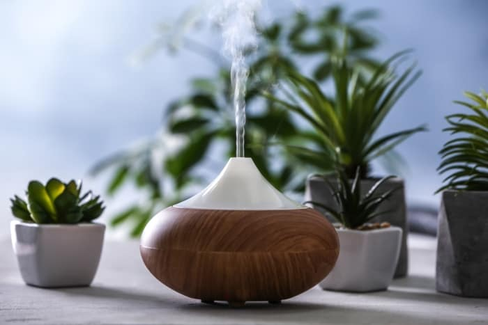 how does an essential oil diffuser work