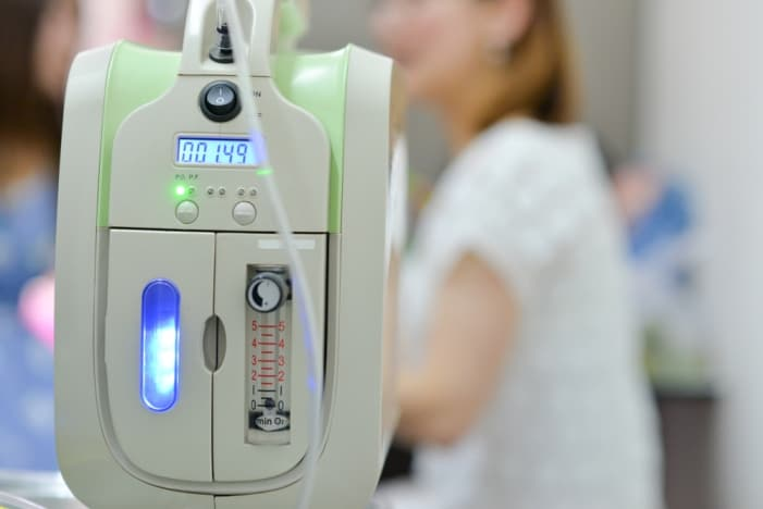 how do oxygen concentrators work